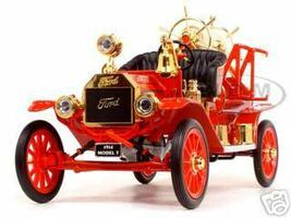 1914 Ford Model T Fire Engine Red 1/18 Diecast Model Car Road Signature 20038