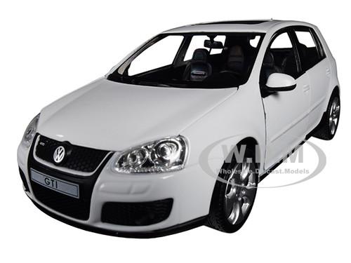 Volkswagen Golf GTI Sunroof White 1/24 Diecast Model Car Cararama 12518