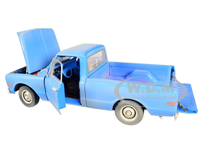 Greenlight 1971 Chevrolet C-10 Pickup Truck Texas Chainsaw Massacre Film Auto Hollywood 1:64