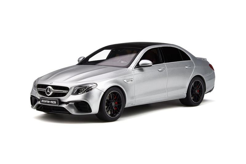 Mercedes Amg E 63 S Iridium Silver Black Top Limited Edition 999 pieces Worldwide 1/18 Model Car GT Spirit GT230