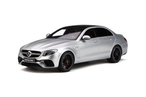 Mercedes Amg E 63 S Iridium Silver Black Top Limited Edition 999 pieces Worldwide 1/18 Model Car GT Spirit GT230