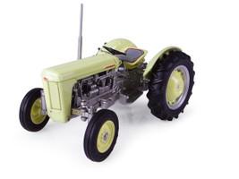 1957 Ferguson TO 35 Tractor 1/32 Diecast Model Universal Hobbies UH4991