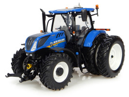 New Holland T7.225 Dual Wheels North American Version Tractor 1/32 Diecast Model Universal Hobbies UH4962