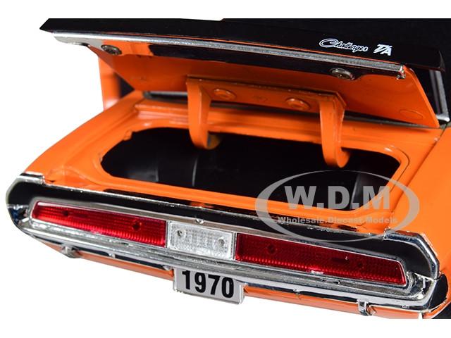 1970 DODGE CHALLENGER T//A 340 SIX PACK ORANGE 1//24 DIECAST CAR BY M2 40300-69 B