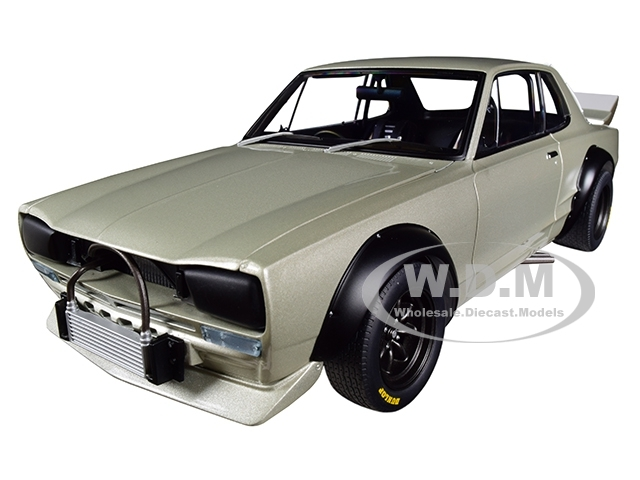 1972 Nissan Skyline GT-R KPGC-10 Racing Silver Millennium 1/18 Diecast Model Car Autoart 87277