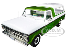 1976 Ford F-100 Ranger Pickup Truck Deluxe Box Cover Medium Green Glow Metallic Wimbledon White 1/18 Diecast Model Car Greenlight 13545