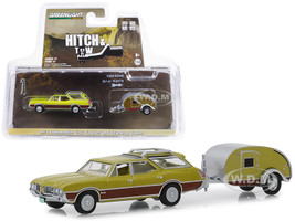 1971 Oldsmobile Vista Cruiser Teardrop Travel Trailer Green Hitch & Tow Series 17 1/64 Diecast Model Car Greenlight 32170 A