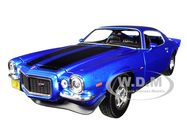 1971 Chevrolet Camaro Metallic Blue Black Stripes 1/18 Diecast Model Car Maisto 31131