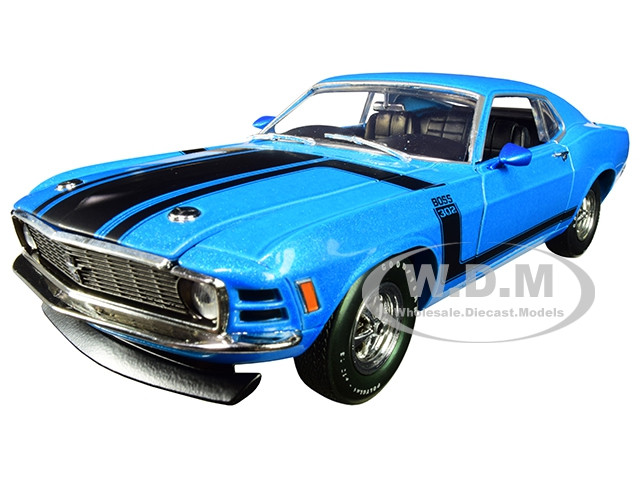 1970 Ford Mustang BOSS 302 Medium Blue Metallic Black Stripe Limited Edition 5880 pieces Worldwide 1/24 Diecast Model Car M2 Machines 40300-74 B