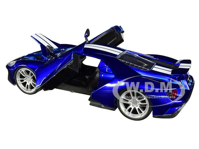 2017 FORD GT CANDY BLUE WITH WHITE STRIPES 1//24 DIECAST MODEL CAR BY JADA 99390