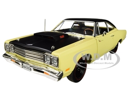 1969/5 Plymouth Road Runner Coupe Sunfire Yellow Black Top Hood Looney Tunes Class of 1969 Limited Edition 1002 pieces Worldwide 1/18 Diecast Model Car Autoworld AMM1179