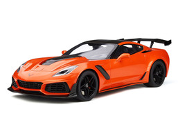 Chevrolet Corvette C7 ZR1 Sebring Orange Carbon Top 1/12 Model Car GT Spirit GT246