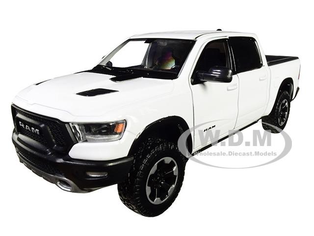 2019 RAM 1500 Rebel Crew Cab Pickup Truck White 1/24 Diecast Model Car Motormax 79358