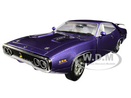 1971 Plymouth Road Runner 440+6 Hardtop Violet Looney Tunes Muscle Car & Corvette Nationals MCACN Limited Edition 1002 pieces Worldwide 1/18 Diecast Model Car Autoworld AMM1182