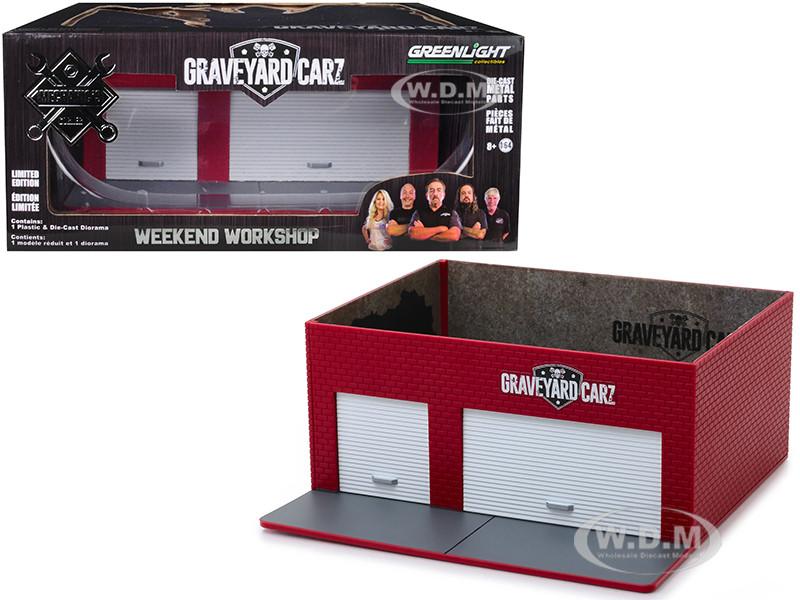 Mechanic's Corner Weekend Workshop Diorama Graveyard Carz 2012 TV Series for 1/64 Scale Models Greenlight 57051