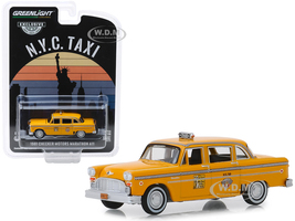 1981 Checker Motors Marathon A11 NYC Taxi New York City Yellow Hobby Exclusive 1/64 Diecast Model Car Greenlight 30076