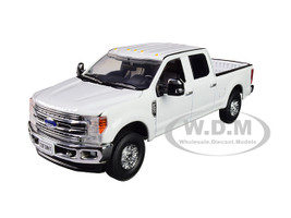 Ford F-250 Crew Cab Super Duty Pickup Truck Oxford White 1/50 Diecast Model First Gear 50-3420