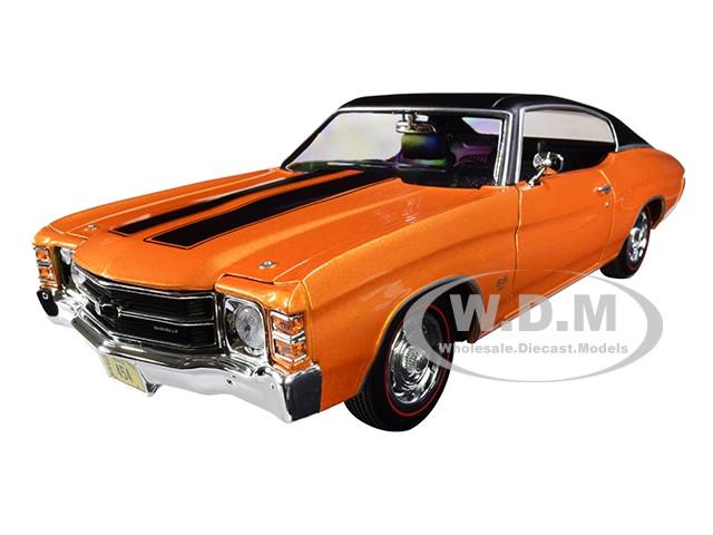 1971 Chevrolet Chevelle SS 454 Sport Metallic Orange Black Top Black Stripes 1/18 Diecast Model Car Maisto 31890