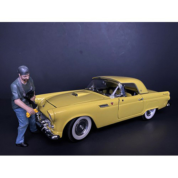 Weekend Car Show Figurine VII for 1/24 Scale Models American Diorama 38315