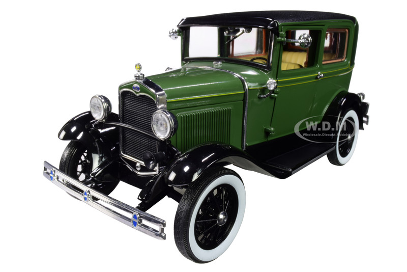 1931 Ford Model A Tudor Balsam Green Vagabond Green 1/18 Diecast Model Car SunStar 6105