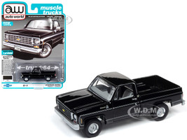 1975 Chevrolet Silverado C10 Fleetside Pickup Truck Midnight Black Muscle Trucks Limited Edition 8500 pieces Worldwide 1/64 Diecast Model Car Autoworld 64232 AWSP030