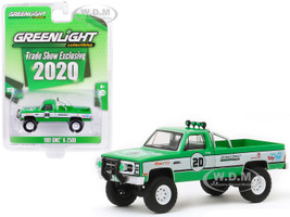 1981 GMC K-2500 Pickup Truck #20 Green White GreenLight Stuntman Association 2020 GreenLight Trade Show Exclusive 1/64 Diecast Model Car Greenlight 30102