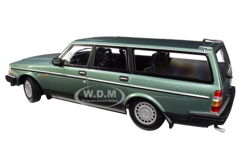 Volvo 240 GL Break Kombi Rot 1974-1993 limitiert 1 von 600 1//18 Minichamps Model