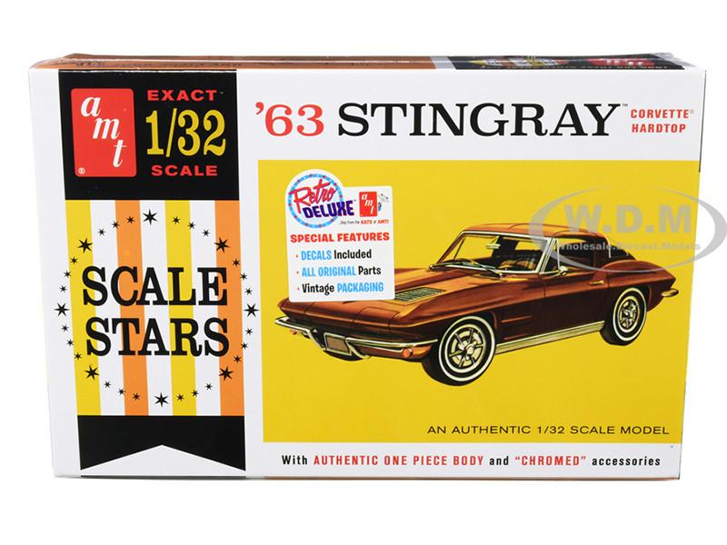 Skill 2 Model Kit 1963 Chevrolet Corvette Stingray Hardtop 1/32 Scale Model AMT AMT1112