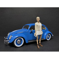 Partygoers Figurine IV for 1/24 Scale Models American Diorama 38324
