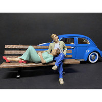 Sitting Lovers 2 piece Figurine Set for 1/24 Scale Models American Diorama 38330 38331