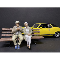 Sitting Old Couple 2 piece Figurine Set for 1/24 Scale Models American Diorama 38334 38335
