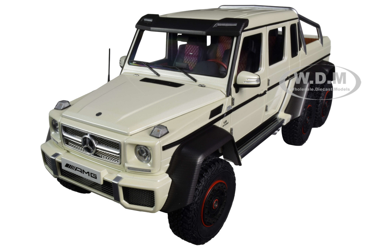Mercedes Benz G63 Amg 6x6 Designo Diamond White Carbon Accents 1 18 Model Car Autoart 76307