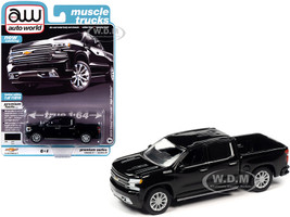 2019 Chevrolet Silverado High Country Pickup Truck Black Muscle Trucks Limited Edition 11816 pieces Worldwide 1/64 Diecast Model Car Autoworld 64252 AWSP037 B