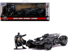 2017 Batmobile Diecast Batman Figurine Justice League 2017 Movie DC Comics Hollywood Rides Series 1/32 Diecast Model Car Jada 31706