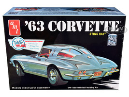 Skill 2 Model Kit 1963 Chevrolet Corvette Stingray 1/25 Scale Model AMT AMT861