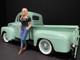 Car Girl in Tee Rachel Figurine for 1/18 Scale Models American Diorama 38236