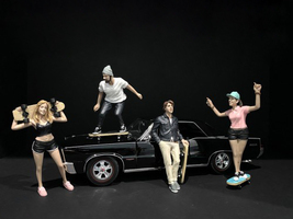 Skateboarders Figurines 4 piece Set for 1/18 Scale Models American Diorama 38240 38241 38242 38243