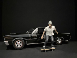 Skateboarder Figurine II for 1/18 Scale Models American Diorama 38241