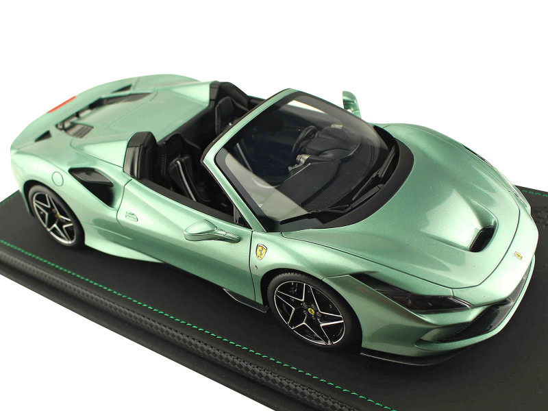 Ferrari F8 Tributo Spider Verde Francese Green DISPLAY CASE Limited Edition 32 pieces Worldwide 1/18 Model Car BBR P18183D