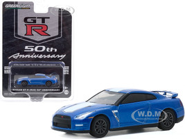 Nissan GT-R R35 Bayside Blue White Stripes GT-R 50th Anniversary Anniversary Collection Series 11 1/64 Diecast Model Car Greenlight 28040 D