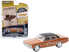 1973 AMC Matador Brown Metallic Black Top Test Drive a Matador with Five of Your Biggest Friends Vintage Ad Cars Series 3 1/64 Diecast Model Car Greenlight 39050 C