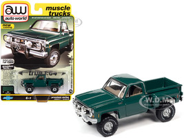 1980 Chevrolet Custom Deluxe Stepside Pickup Truck Green Muscle Trucks Limited Edition 15808 pieces Worldwide 1/64 Diecast Model Car Autoworld 64282 AWSP057 B