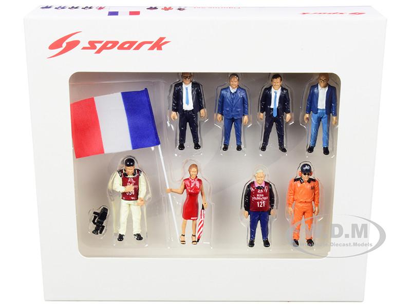 24 Hours Le Mans 2018 8 piece Figurine Set 1/43 Scale Models Spark 43AC014