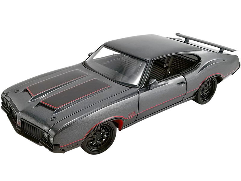1970 Oldsmobile 442 W30 Street Fighter Granite Gray Metallic Red Stripes Limited Edition 700 pieces Worldwide 1/18 Diecast Model Car ACME A1805617