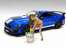 Cindy with Bucket Bikini Car Wash Girl Figurine 1/24 Scale Models American Diorama 76364