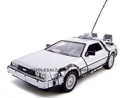 """Delorean From Movie """"Back To The Future 1"""" 1/24 Diecast Model Car Welly 22443"""