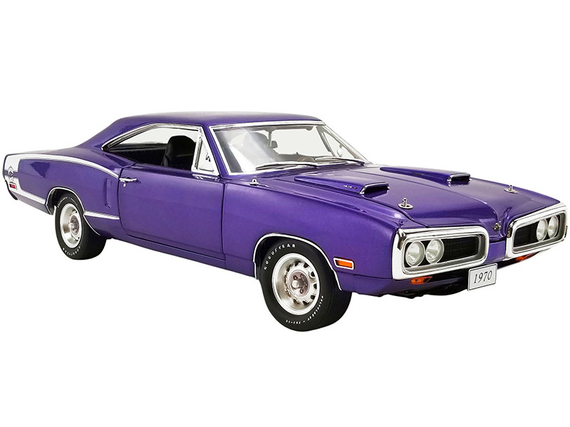 1970 Dodge Coronet Super Bee Plum Crazy White Stripes Limited Edition 1752 pieces Worldwide 1/18 Diecast Model Car GMP 18860