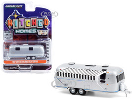 1972 Airstream Land Yacht Safari Travel Trailer Silver Black White Awning Hitched Homes Series 10 1/64 Diecast Model Greenlight 34100 B