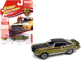 1971 Buick GSX Lime Mist Green Metallic Black Top Black Red Stripes Class of 1971 Limited Edition 7298 pieces Worldwide Muscle Cars USA Series 1/64 Diecast Model Car Johnny Lightning JLMC026 JLSP151 B