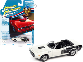 1971 Plymouth Barracuda Convertible Sno White Black Hemi Side Billboards Class of 1971 Limited Edition 7418 pieces Worldwide Muscle Cars USA Series 1/64 Diecast Model Car Johnny Lightning JLMC026 JLSP153 A